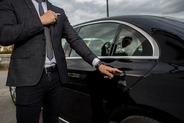 chauffeurs services london